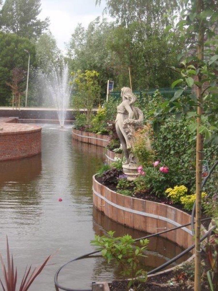 Tuin met waterpartij for Waterpartij in de tuin